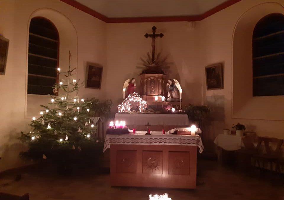 Frohe und friedliche Weihnachten aus der Basberger Kapelle🌟🕯🌟